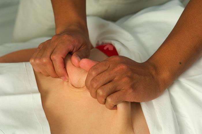 masaje-abdominal-trazo